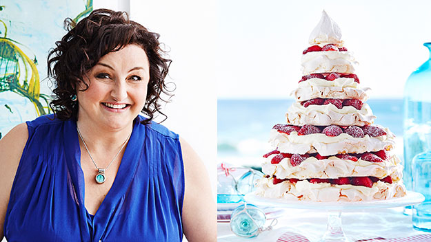 Julie Goodwins' meringue Christmas tree