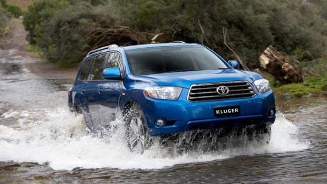 Toyota Kluger Test