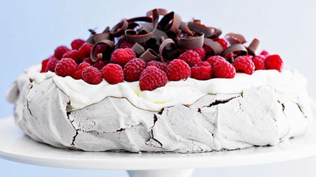 Chocolate pavlova with raspberries recipe | Australian Women's Weekly