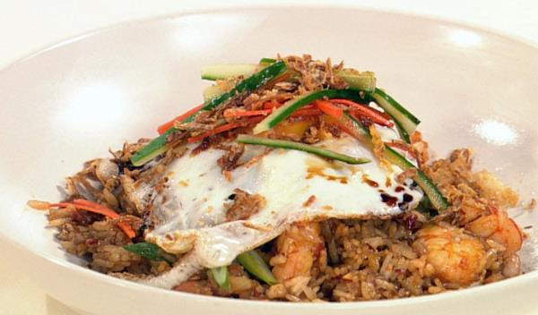 Indonesian fried rice (nasi goreng), rice recipe, brought to you by ...
