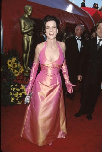 Rachel Griffiths in garish orange/pink in 1999.