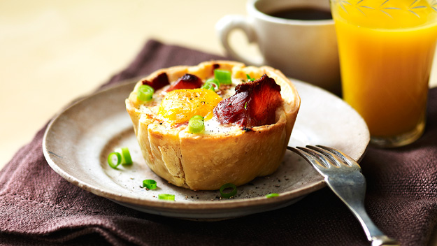 Sausage, egg and bacon pies recipe | Australian Women's Weekly