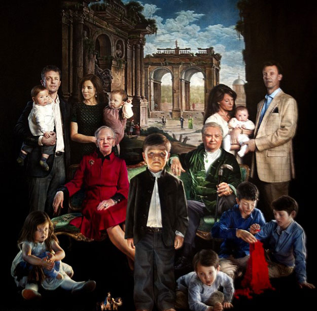 The new portrait of the Danish royal family by Thomas Kluges.
