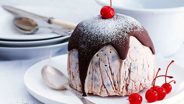 Christmas ice-cream pudding