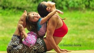 Yoga mum's amazing family photos go viral