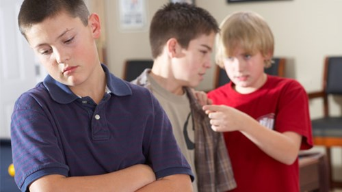 victims of bullying suffer severe depression psychology essay School bullying is a pervasive problem found in elementary, middle, and high schools across the united states and around the world it can take many direct and indirect forms, including physical.