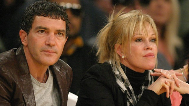 VIDEO: Antonio Banderas caught with another woman