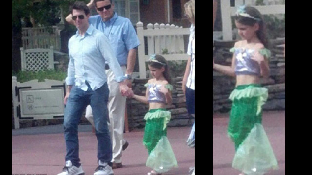 Tom Cruise takes Suri to Walt Disney World : Woman's Day