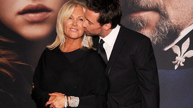 Hugh Jackman hits back at gay rumours