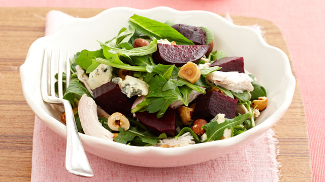 chicken-and-beetroot-salad-with-blue-cheese-and-hazle-nuts.jpg