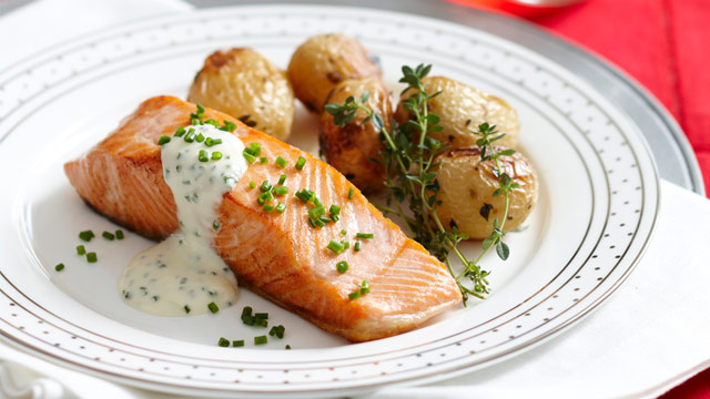 Crispy Skin Salmon With Roasted Baby Potatoes Woman 39 S Day Nz